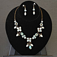Flower-Garden-Necklace-and-Earrings